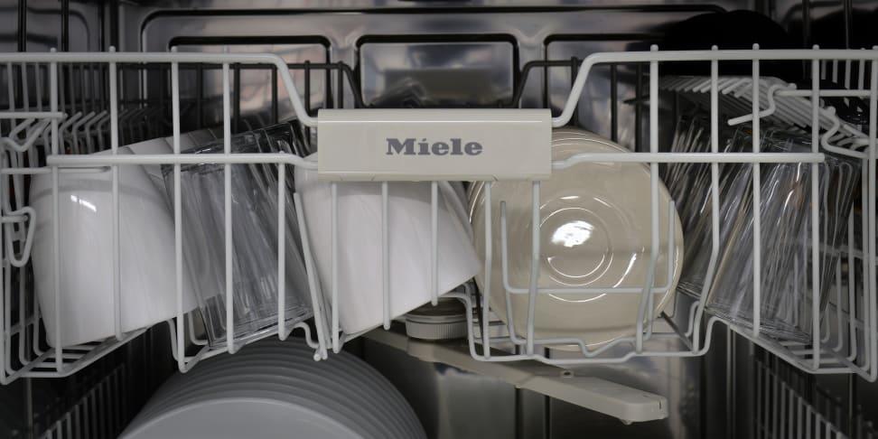 Product Image - Miele Futura Classic Plus Series G4925SCUS