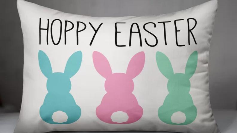 Hoppy easter pillow