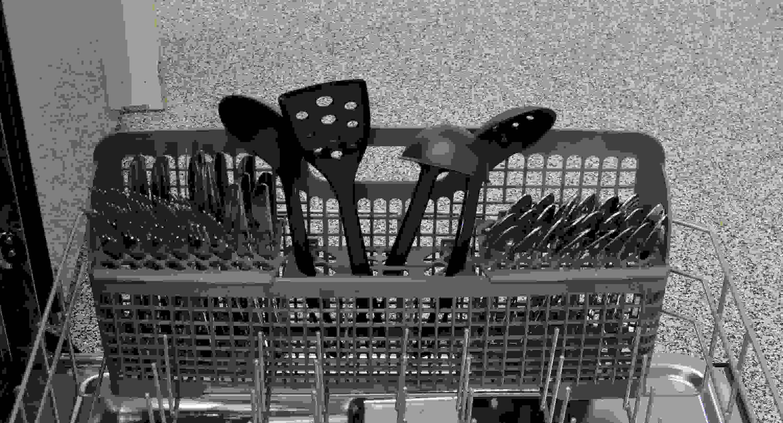 IKEA IUD7555DS cutlery basket capacity