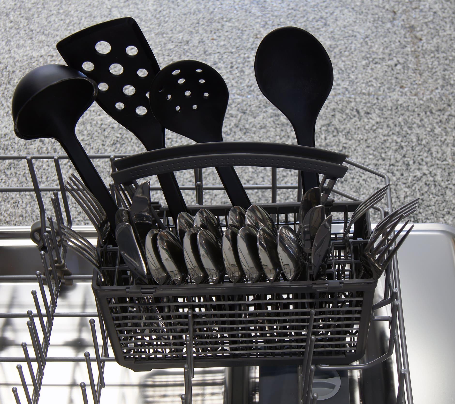 Kenmore Elite 14683 cutlery basket capacity