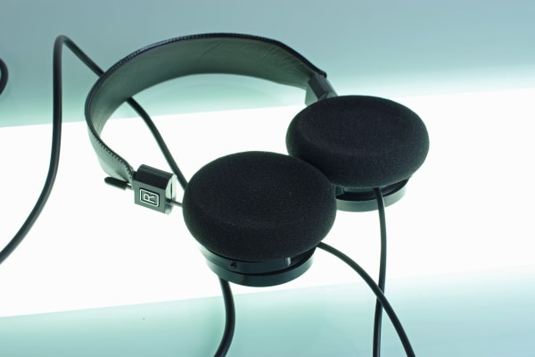 Although the foam pads on the SR80e look a bit outdated, they provide a very plush fit for hours of listening.
