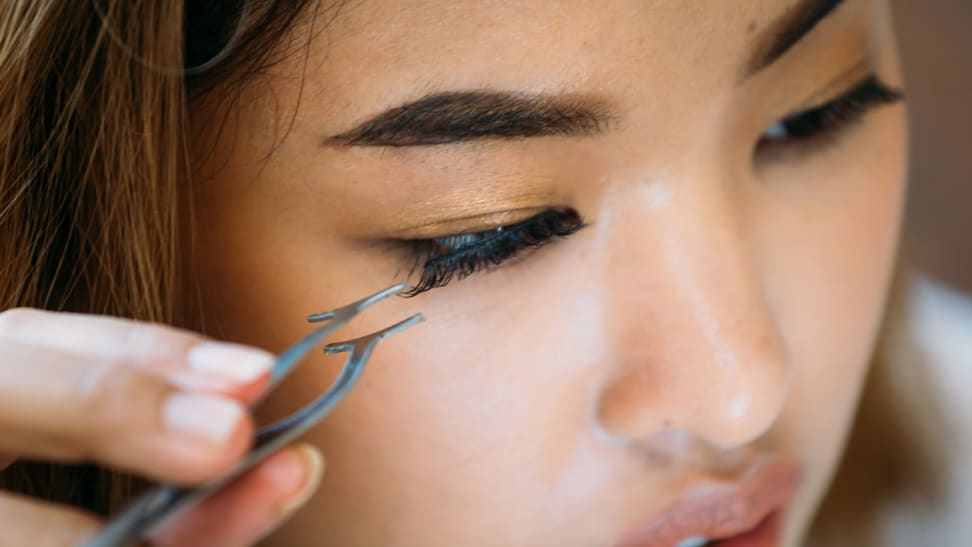 Your ultimate guide to choosing and applying fake eyelashes