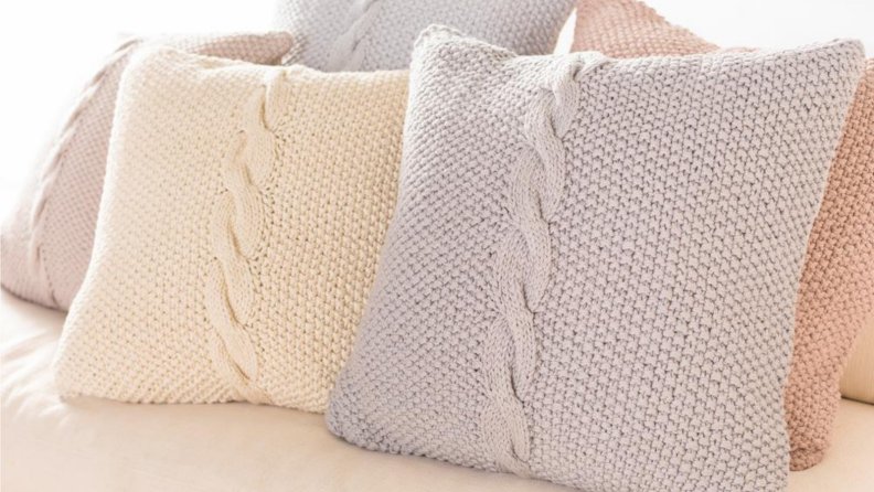 Cable knit pillow