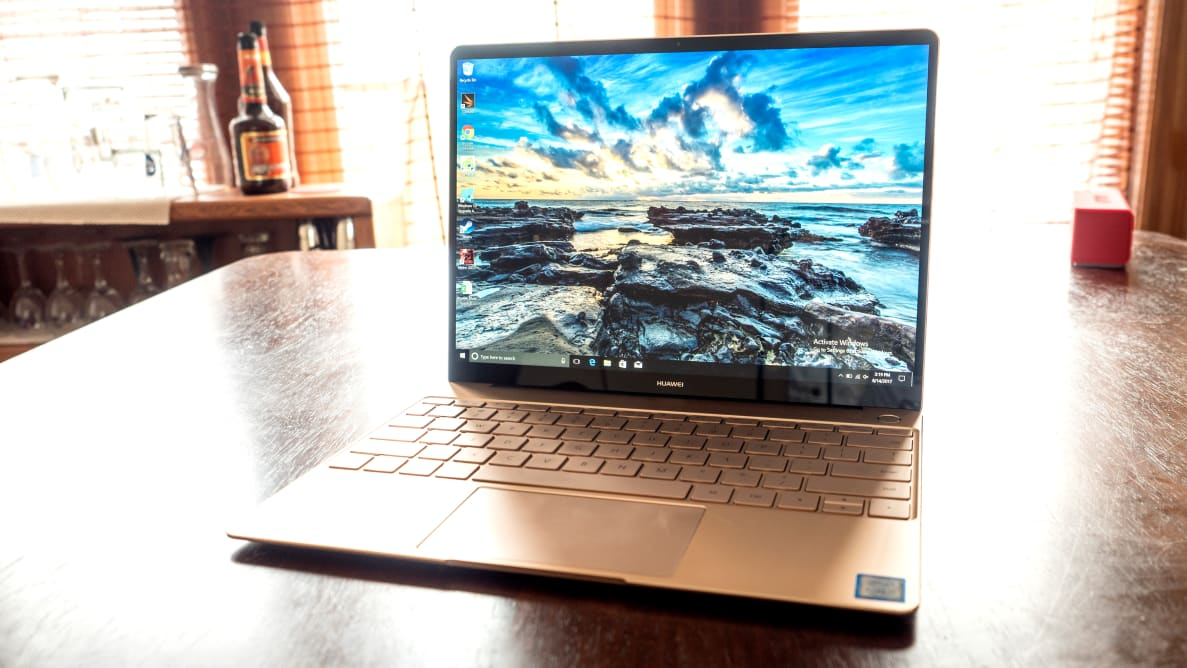 If you like Apple's signature design, but prefer Windows 10 over MacOS, the MateBook X is the right machine for you.