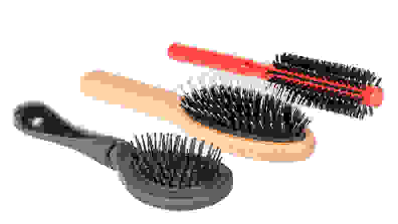 Clean-hairbrushes