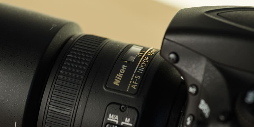 nikon-85mm-f1p8-review-design-camera-top1.jpg