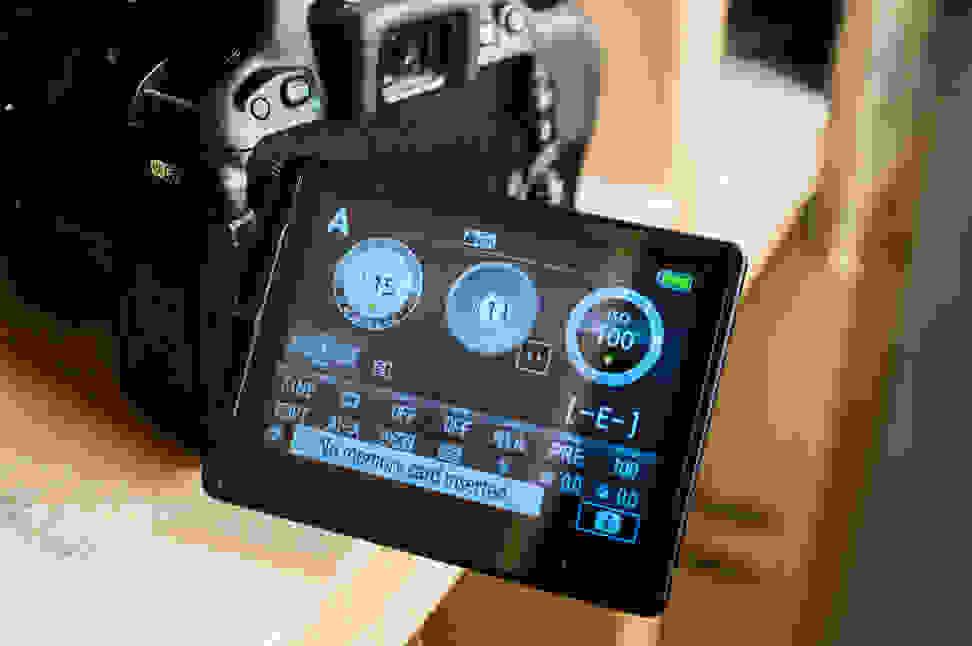 Nikon-D5500-Review-Design-Tilt-Screen.jpg