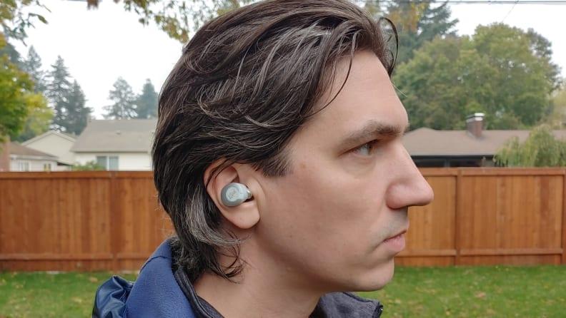 https://reviewed-production.s3.amazonaws.com/attachment/b55714e422054e89/Klipsch_T5_II_side_in-ear_edit.jpg