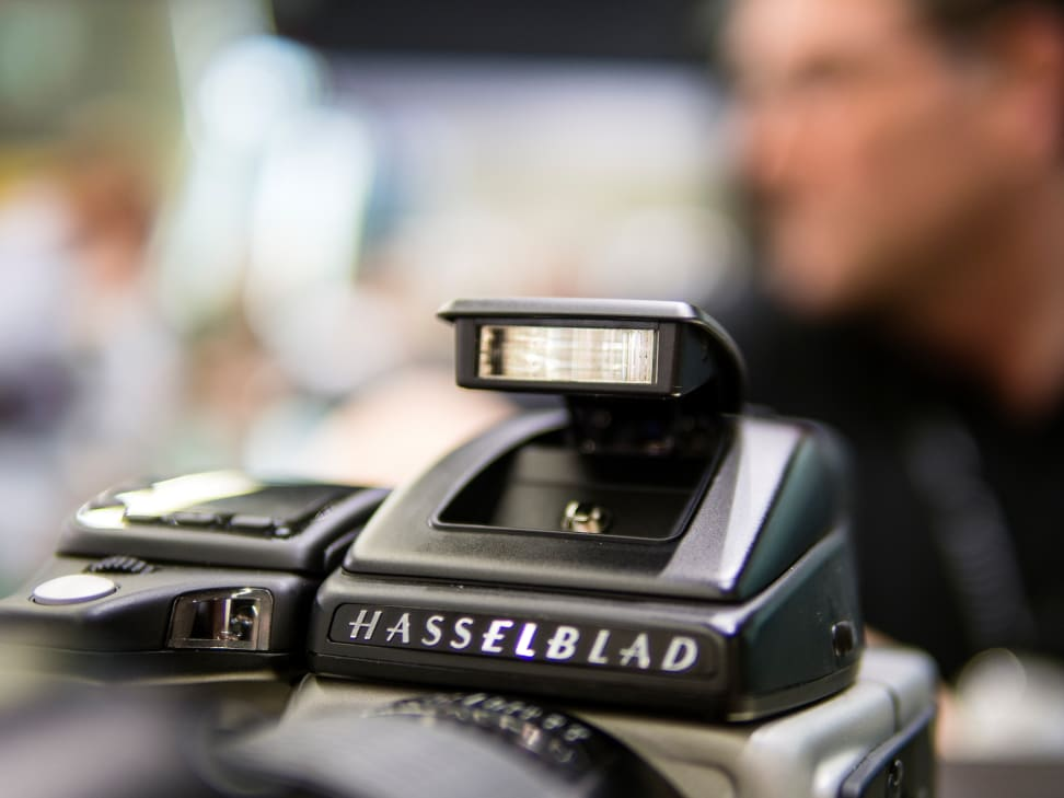 Hasselblad-H5D-50c-FI-Review-Pop-Up-Flash.jpg