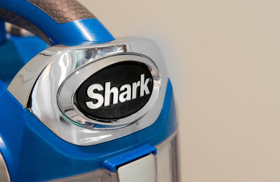 Product Image - Shark Rotator Powered Lift-Away Speed NV682