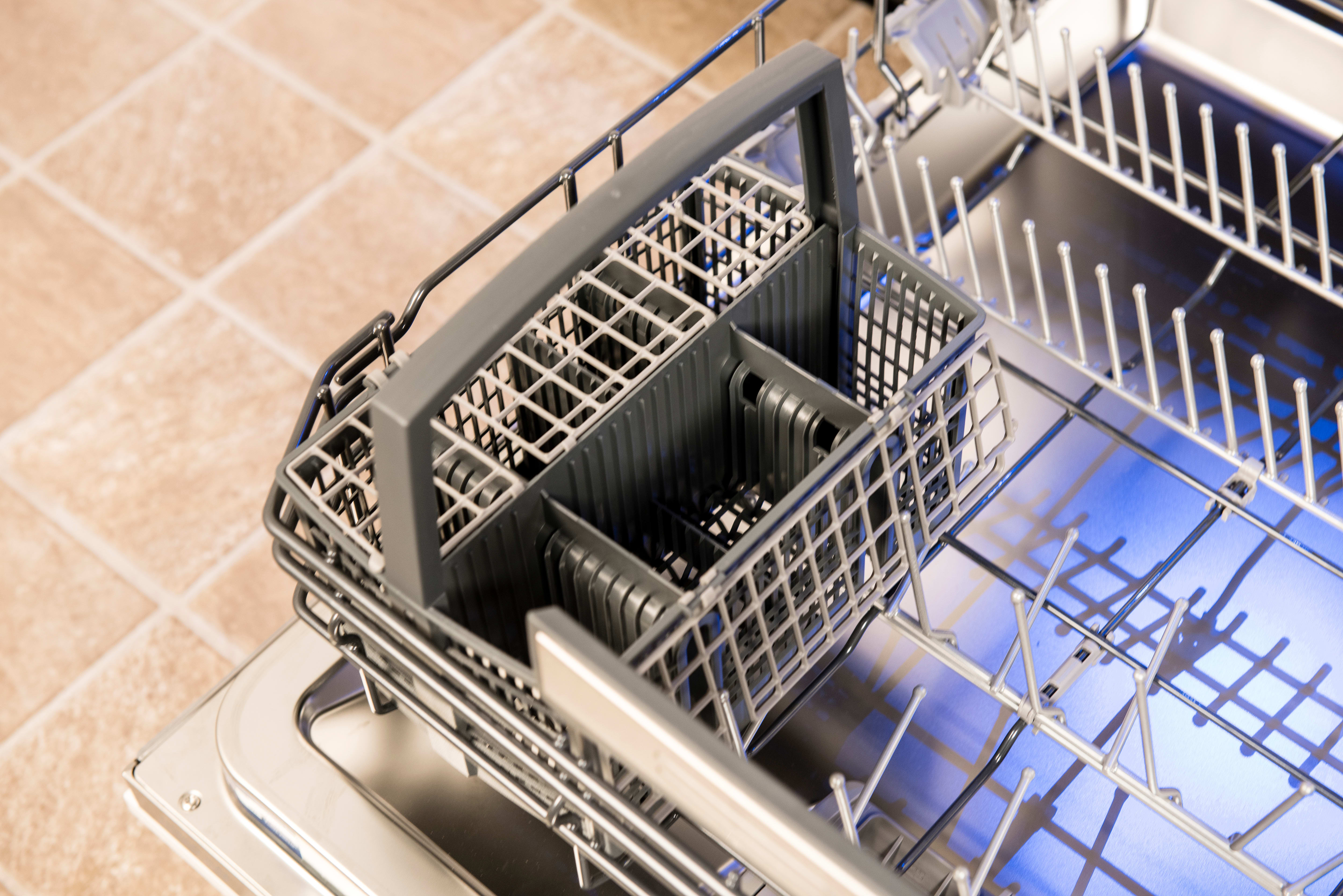 Thermador Sapphire DWHD650JPR cutlery basket