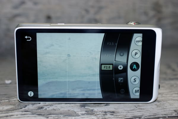 All rear controls on the Galaxy 2 are touchscreen.
