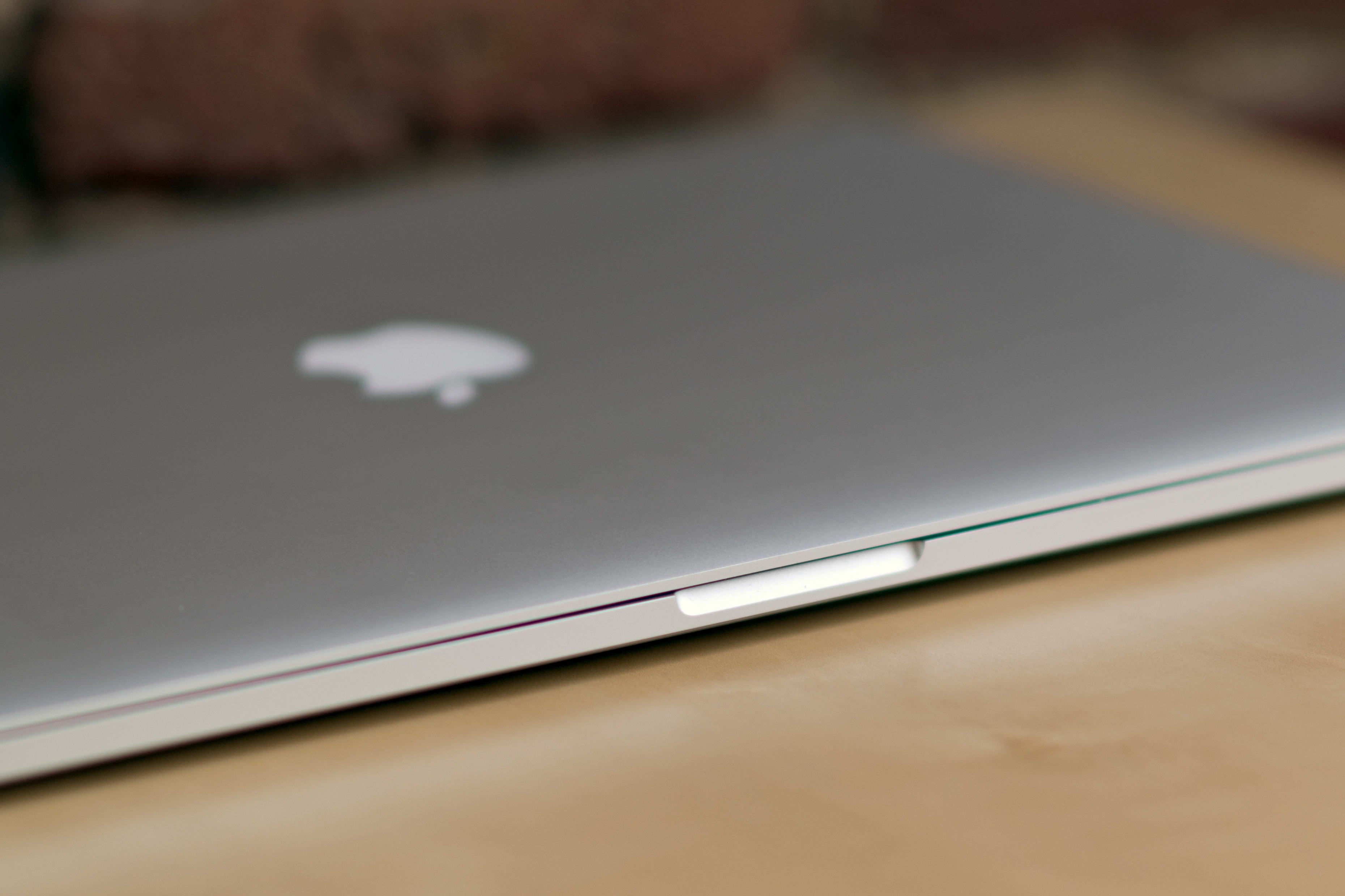 A closer look at the MacBook Pro with Retina Display's screen latch.