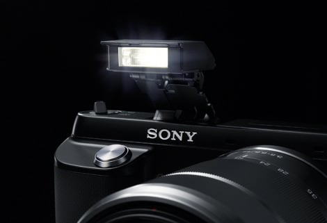 SONY-NEX-F3_PG_flash_BK.jpg