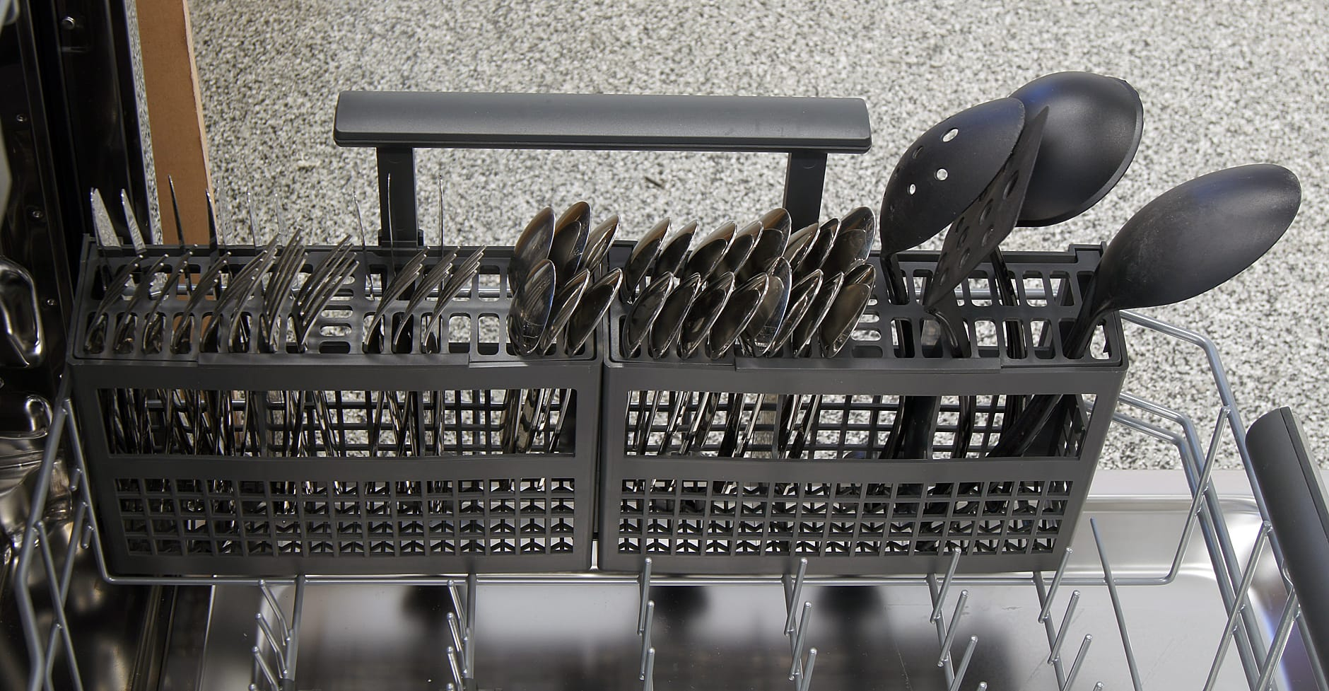 Electrolux EI24ID30QS cutlery basket capacity