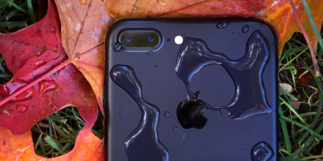 Apple iPhone 7 Plus Water Resistance Feature