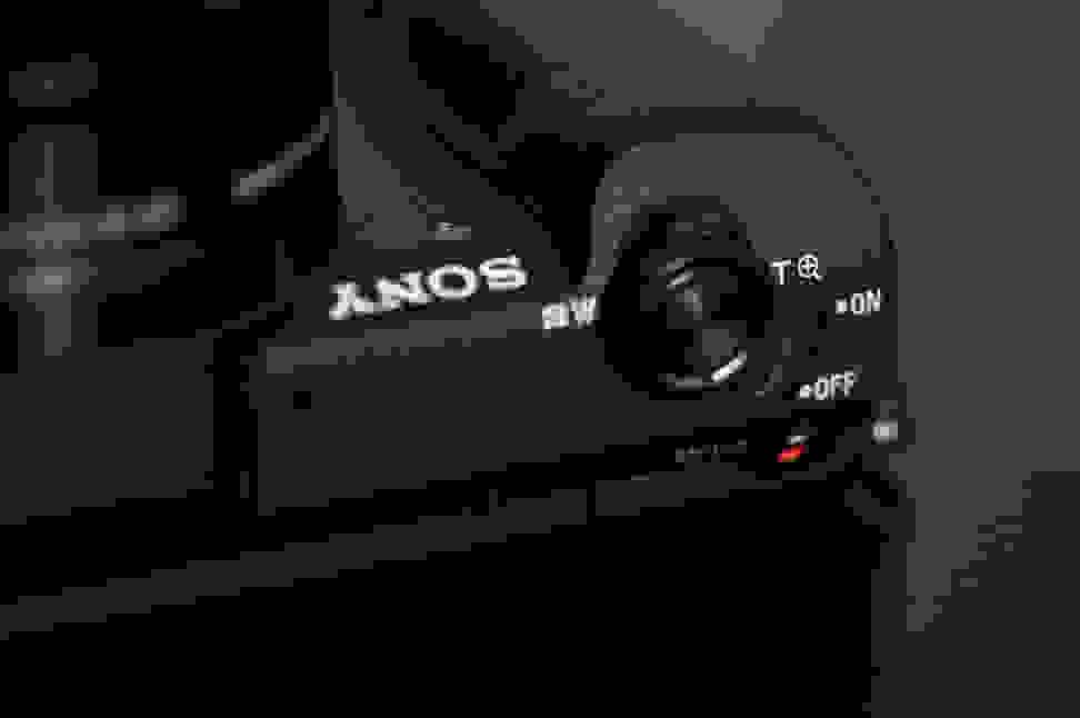 Sony-a5100-review-design-power.jpg