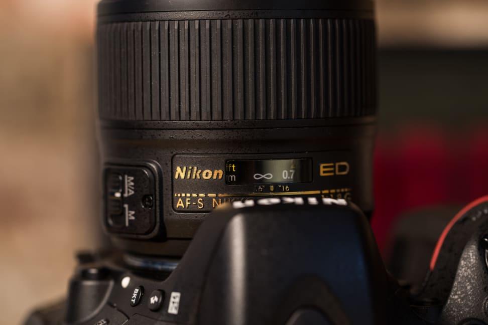 Lens_Display
