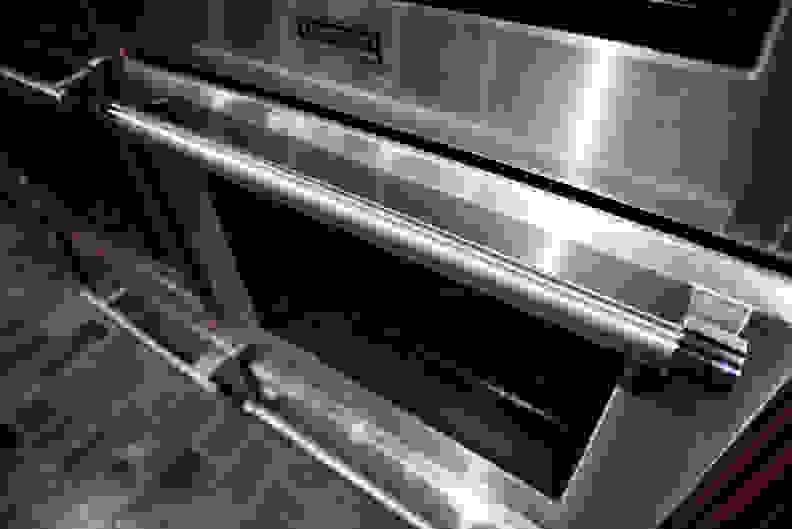 Thermador PODC302J Design Bottom Handle 2