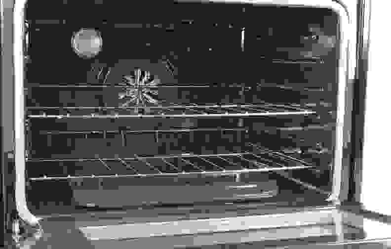 Whirlpool-WGG755S0BS-cavity1.jpg