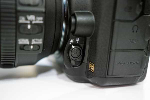 The focus switch chooses between auto and manual in addition to the type of focus mode.