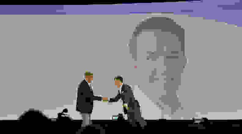 Samsung-IFA2014-Keynote-Hawkinson.jpg