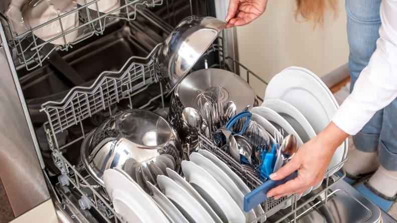 Overloading-dishwasher