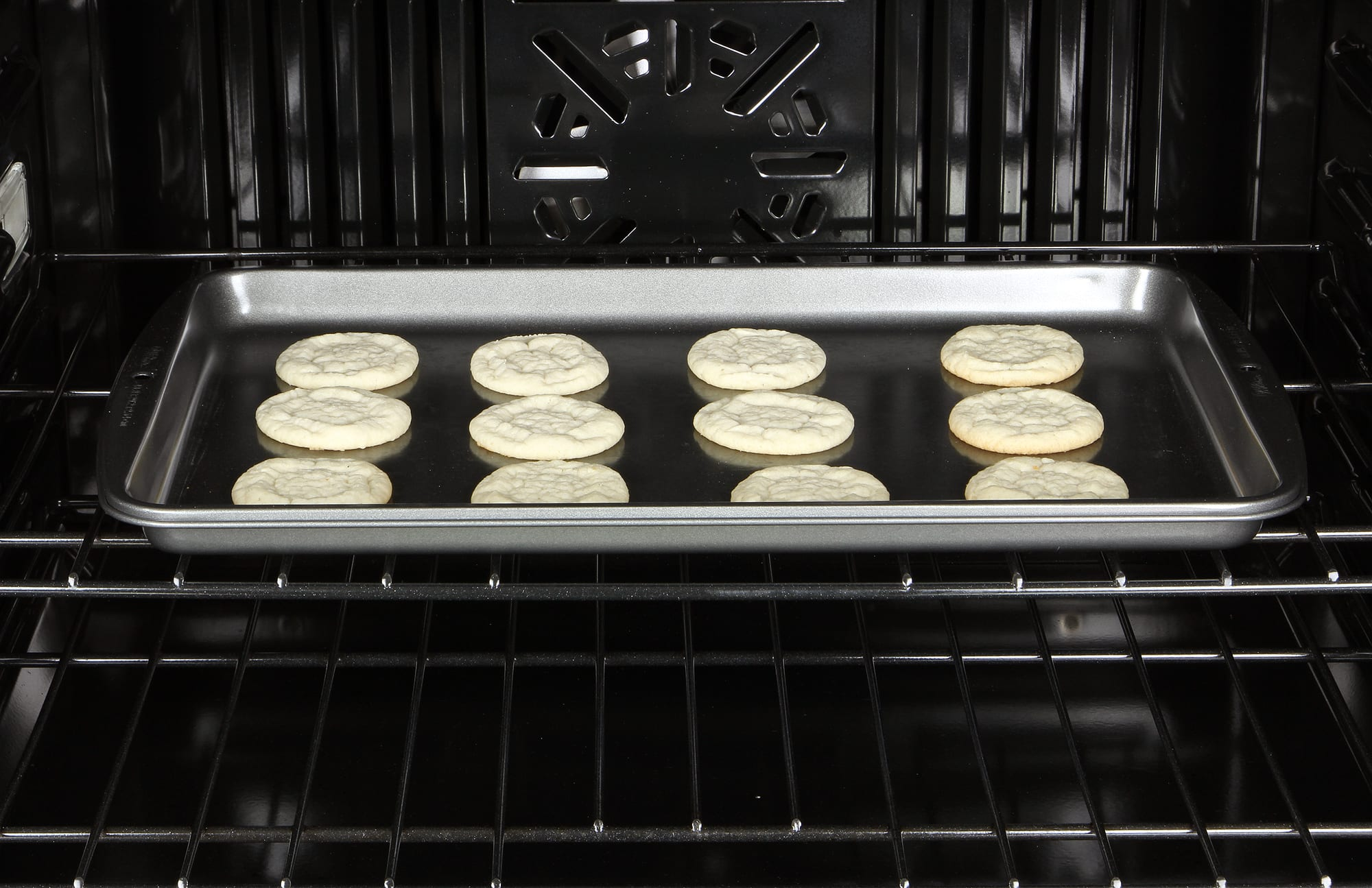 The convection setting resulted in impressive evenness in our bake tests.