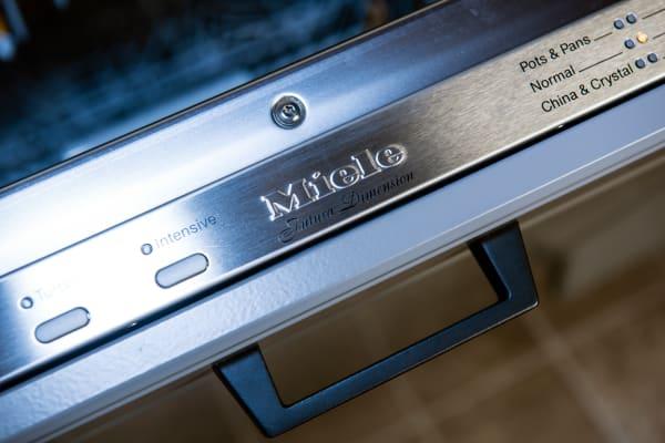 Miele Futura Dimension G5670SCVi control panel with logo