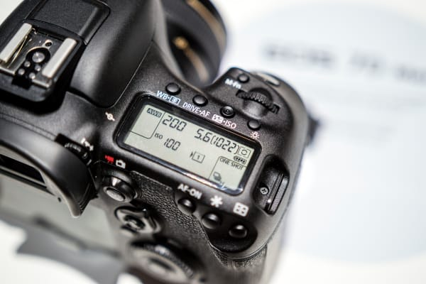 The secondary LCD gives all key information needed for getting your shot.