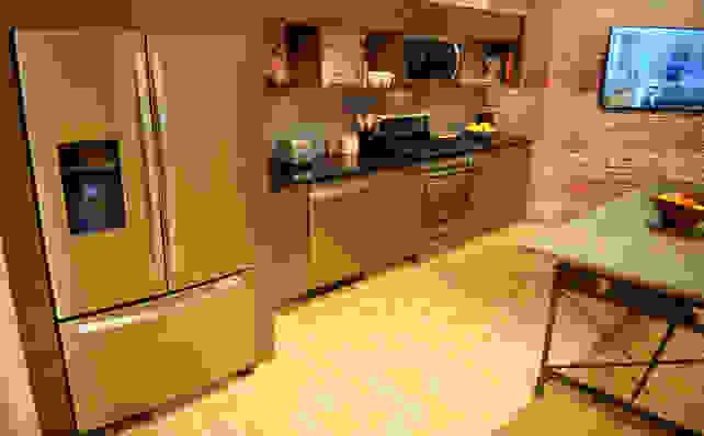 Whirlpool Sunset Bronze Suite