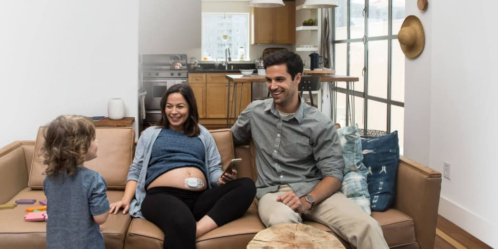 Bloomlife's wearable for pregnant women is an easy contraction tracker