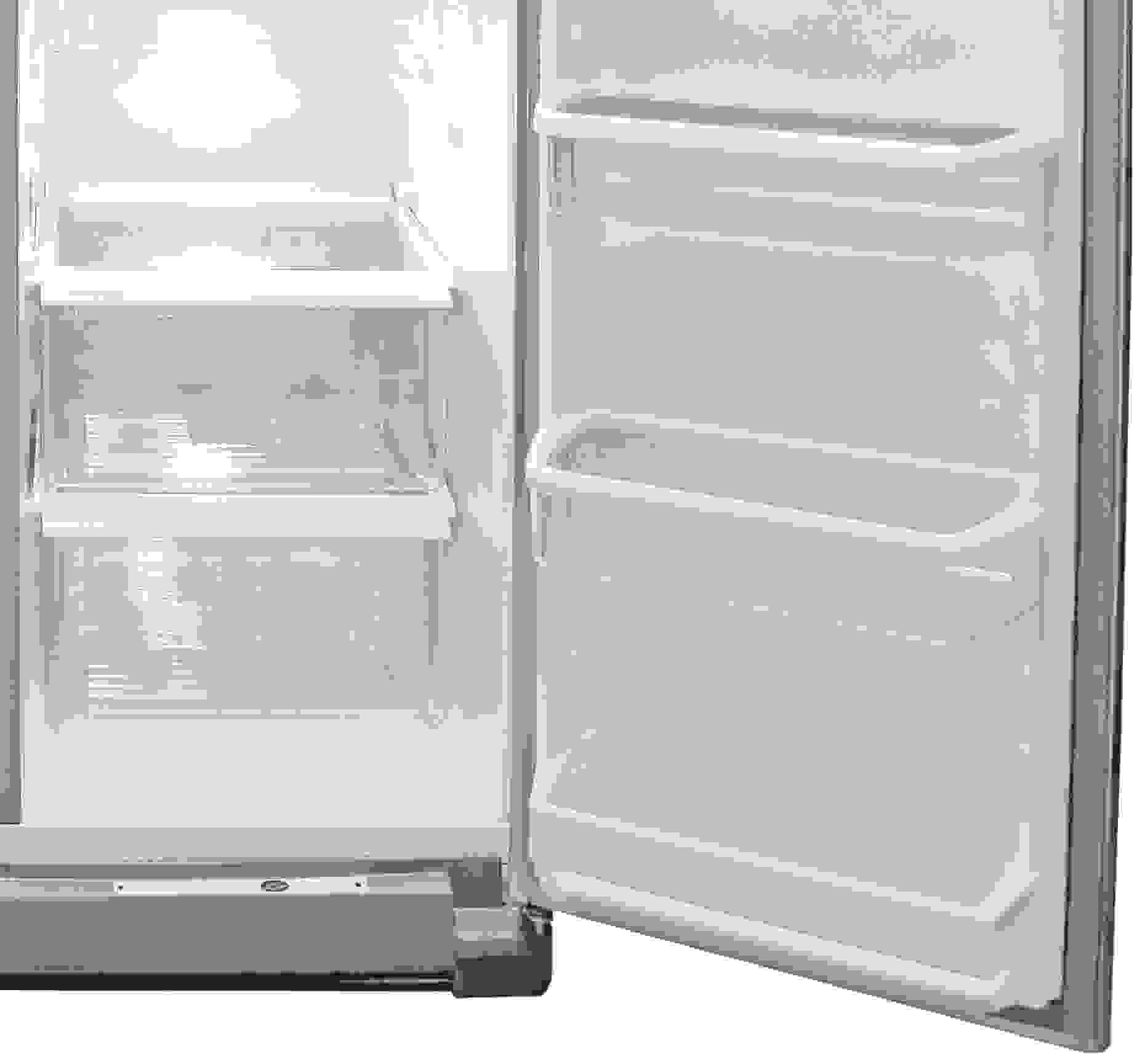 You still get two drawers at the bottom of the Whirlpool WRS325FDAM's fridge, but only one is a crisper.