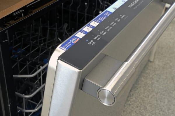Frigidaire Professional FPID2497RF thick handlebar