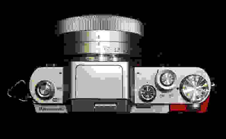 Panasonic Lumix GF7 –Top View