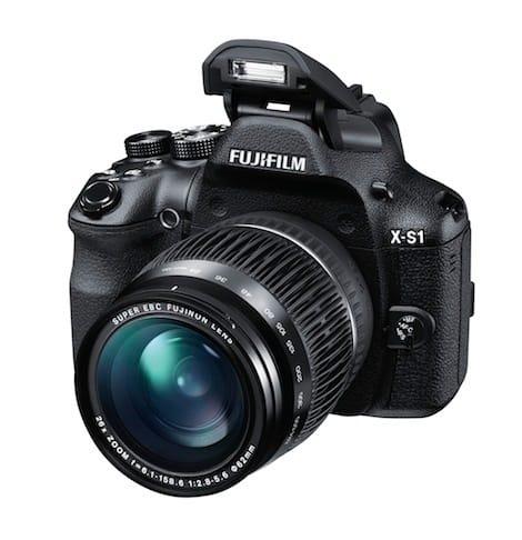 X-S1_Front_Left_24mm_Flash.jpg