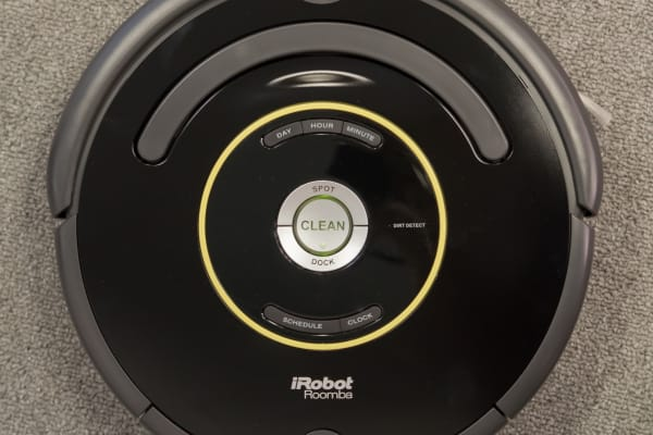 Although less refined, the Roomba 650 still has the same basic design of its more expensive cousins.