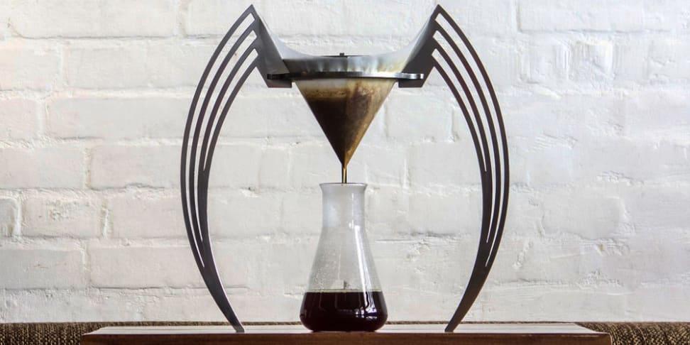 The Iikone coffee brewer in use