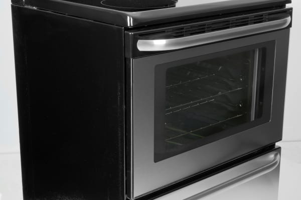 The Frigidaire FFEF3043LS