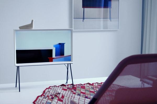 Samsung Serif TV Blending In
