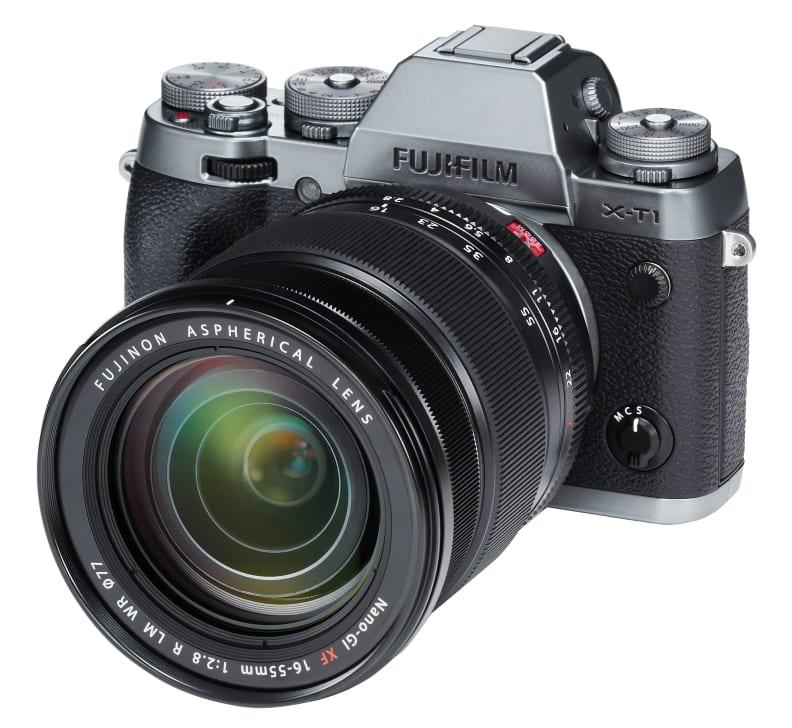 Fuji_lens_on_camera.jpg