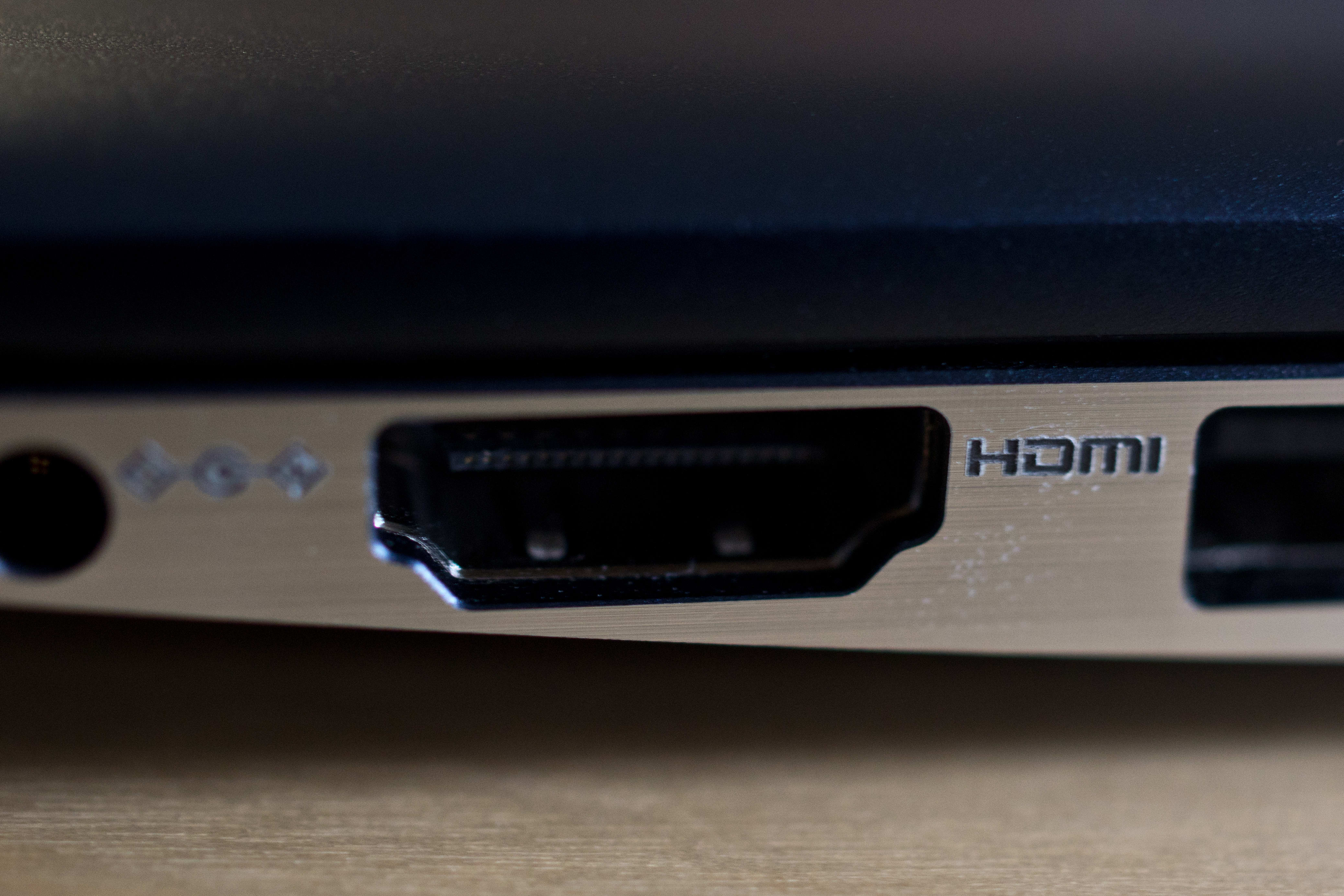 A photograph of the Samsung ATIV Book 9 2014 Edition's HDMI port.