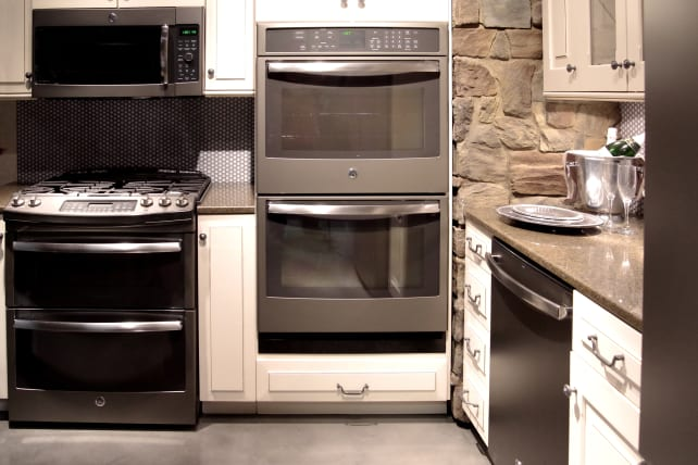 Ge Kitchen Suite What home appliance finish will replace bisque reviewed ge slate suiteg workwithnaturefo