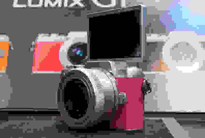 Panasonic Lumix GF7 –Selfie Screen