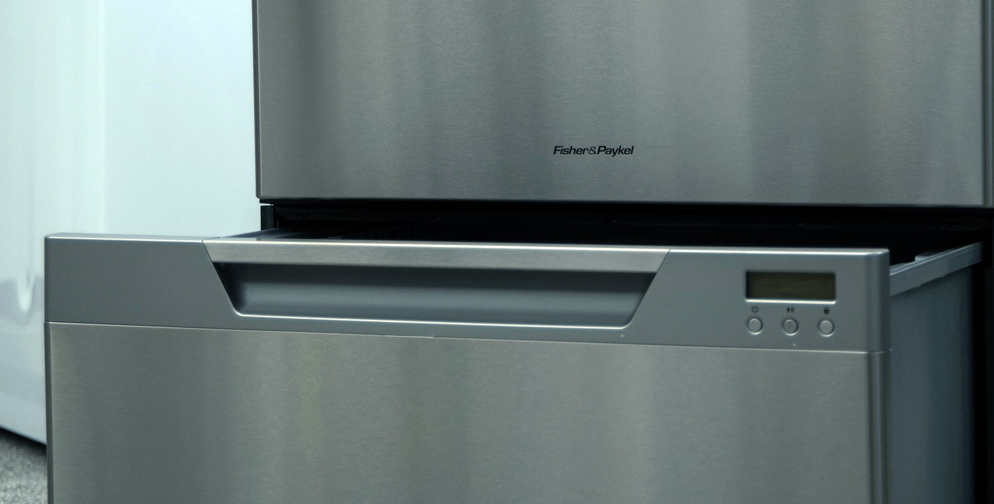 If you're a fan of the drawer design be aware that Fisher & Paykel is pretty much your only option.