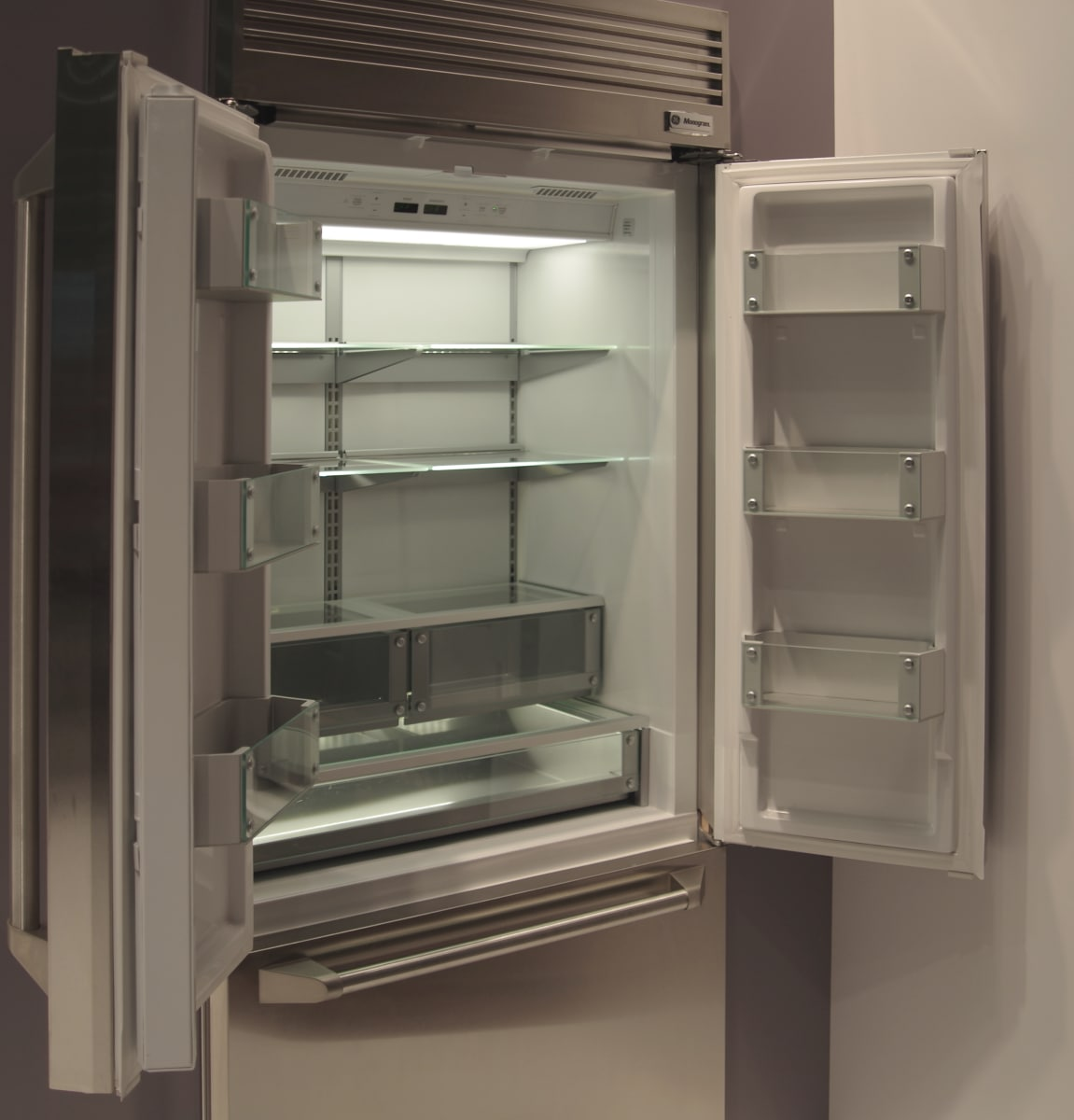 To Lure Wealthy Buyers, GE Reinvents the Fridge Light - Reviewed.com ...