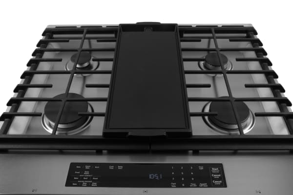 rangetop with skillet