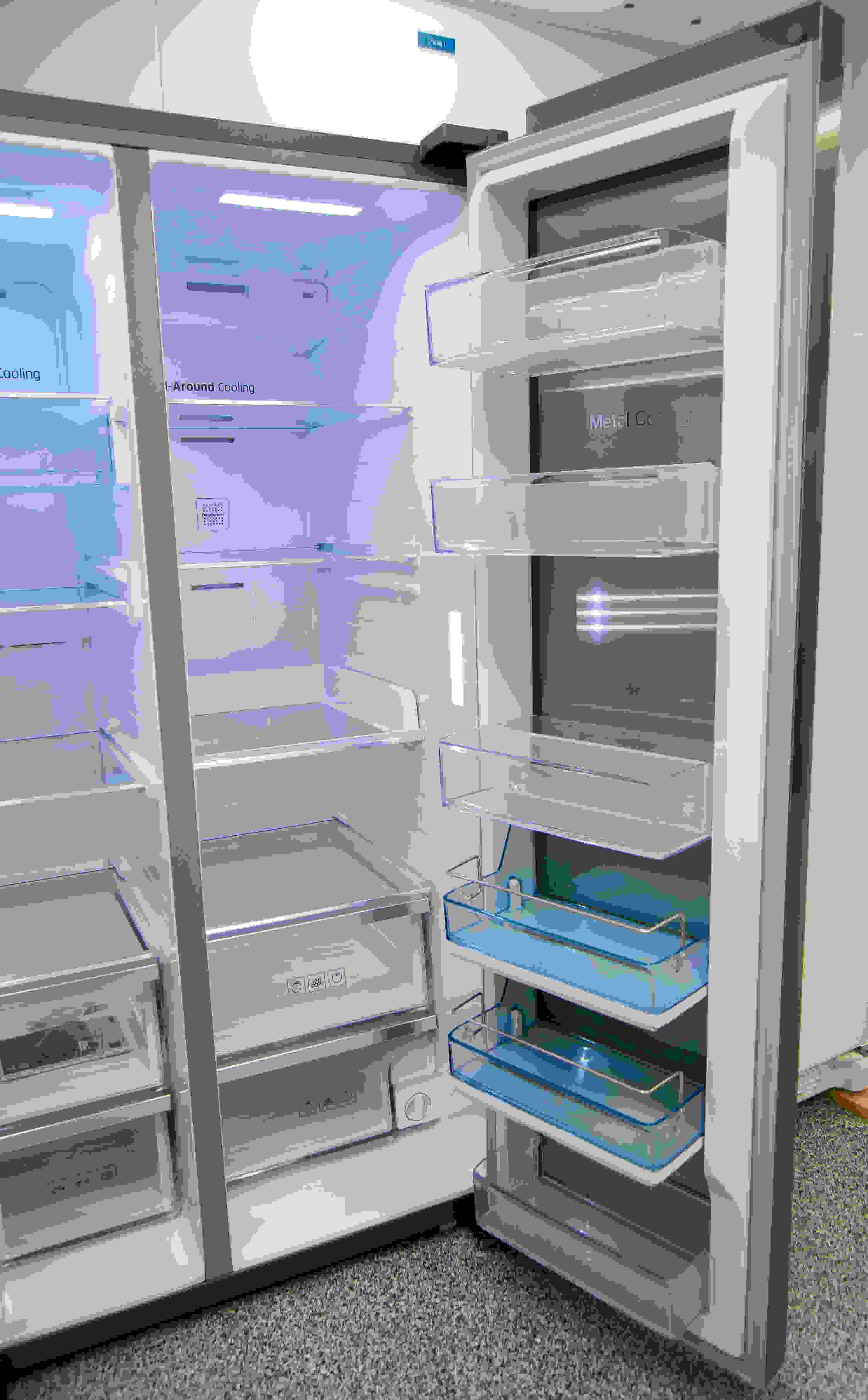Not only is door storage much more useful in the Samsung RH29H9000SR Food Showcase, the main compartment is still just as accessible and roomy.