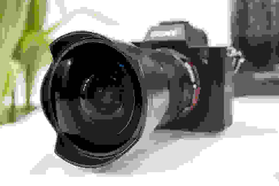 Sony FE 28mm f/2 – Fisheye Converter