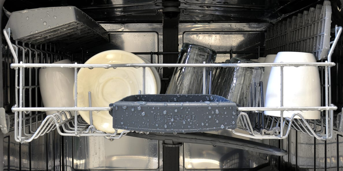Bosch SHS5AV55UC top rack loaded with wet dishes
